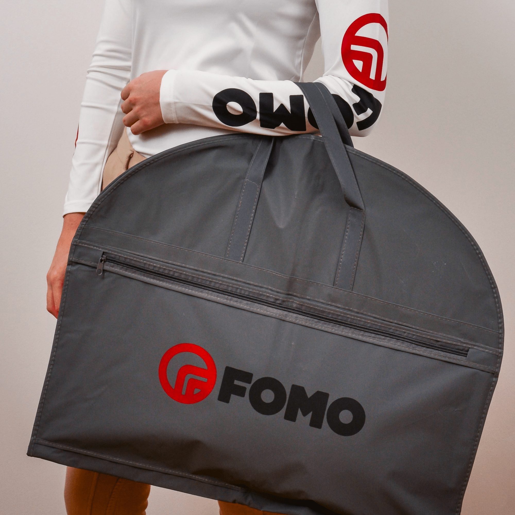 https://www.fomoprotection.com/wp-content/uploads/2019/11/Garment-Bag-Final-min.png